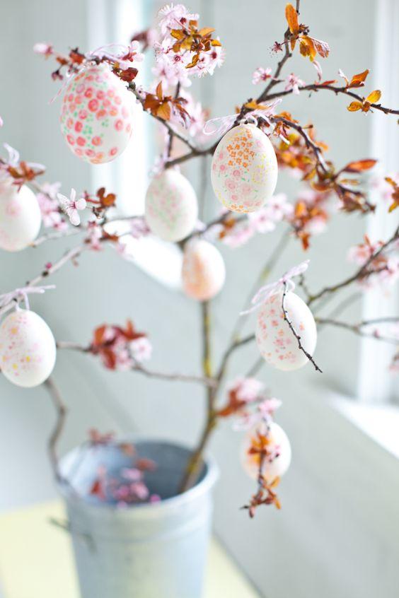 easter eggs blossom
