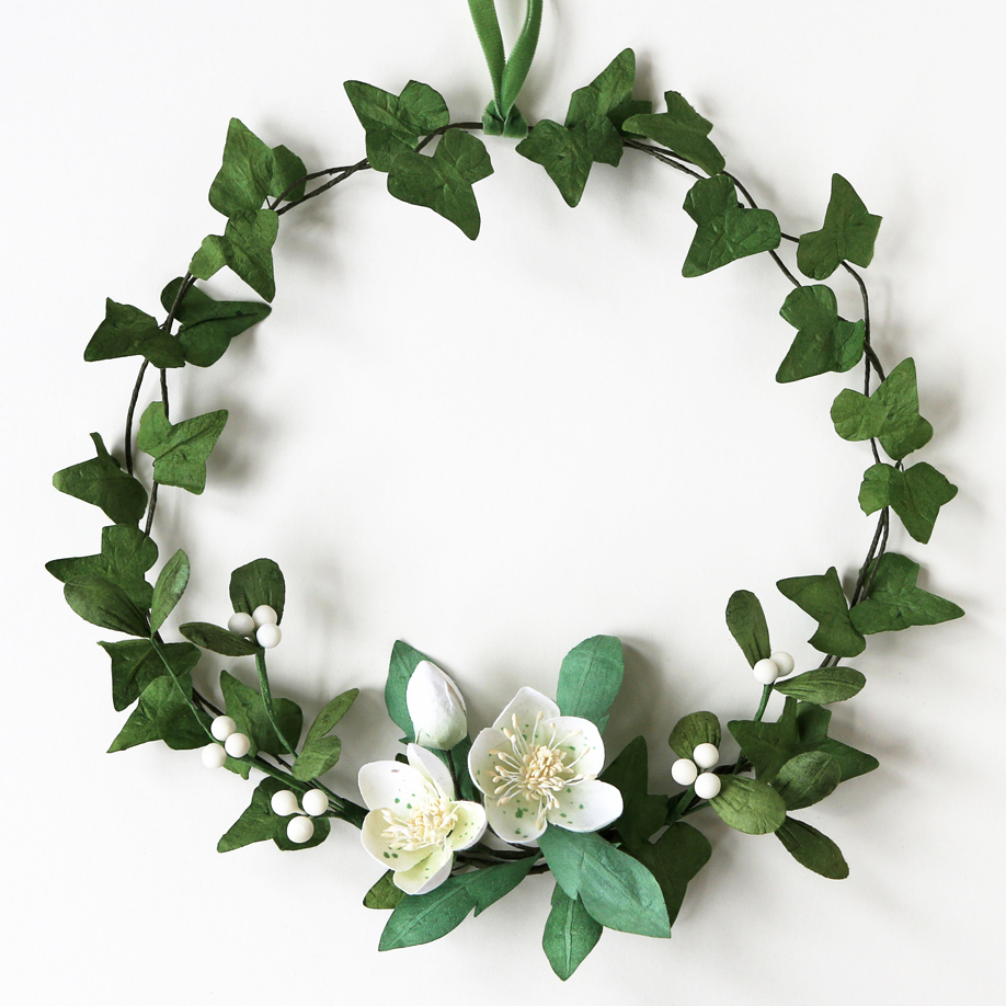 Paper Christmas Wreath Designs.Christmas Wreath Paper Ivy Mistletoe Christmas Rose