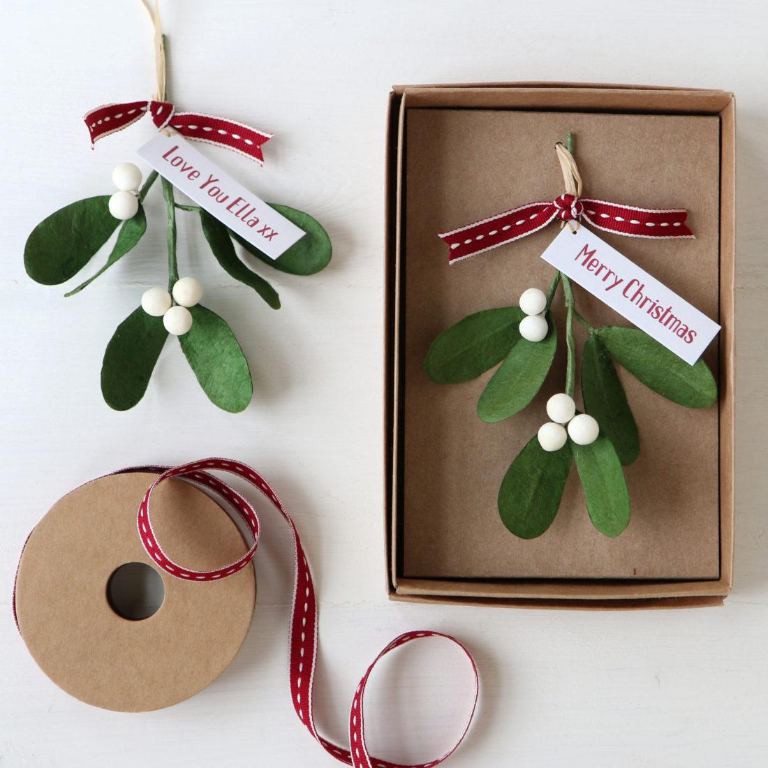 Mistletoe Gift Box